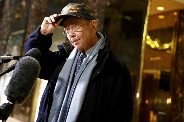 Wilbur Ross, âgé de 79 ans, a coécrit... (AP, Evan Vucci)