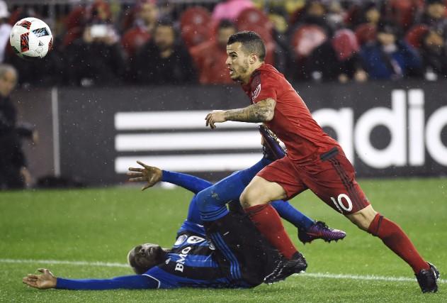 Sebastian Giovinco (10) et le Toronto FC ont... (La Presse canadienne, Nathan Denette)