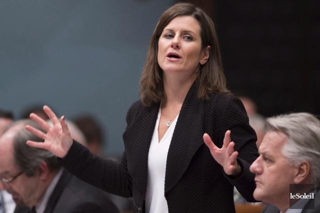 La ministre de la Justice Stéphanie Vallée semble... (Photo archives Le Soleil)
