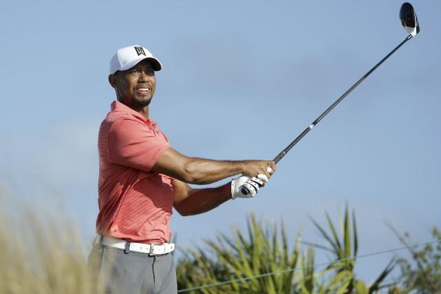 Tiger Woodsprendra part à un premier tournoi en... (Photo Lynne Sladky, AP)