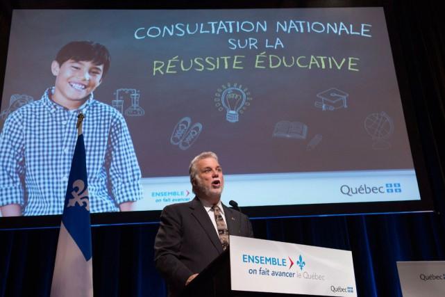 Philippe Couillard veut maintenir un système «le plus... (PHOTO JACQUES BOISSINOT, LA PRESSE CANADIENNE)