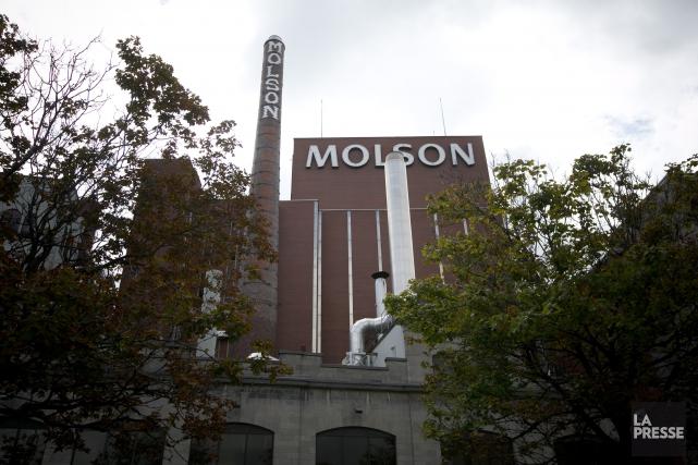 Molson Coorstergiverse entre deux scénarios, soit rénover sa... (Photo François Roy, archives La Presse)