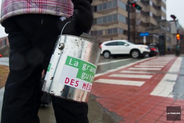 On ne verra pas les gens des médias sur les mêmes coins de rue que par le... (Archives La Tribune, Jessica Garneau)