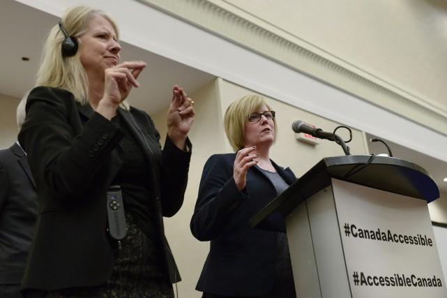La note à l'intention de la ministre des... (PHOTO Justin Tang, LA PRESSE CANADIENNE)