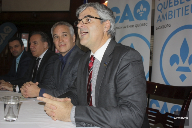 Le député de Drummond-Bois-Francs, Sébastien Schneeberger, le chef... (La Tribune, Yanick Poisson)