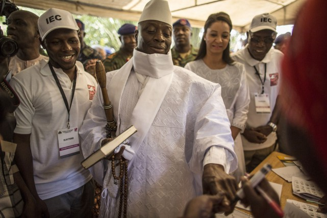 Le président de la Gambie Yahya Jammeh estarrivé... (photo MARCO LONGARI, archives Agence france-presse)