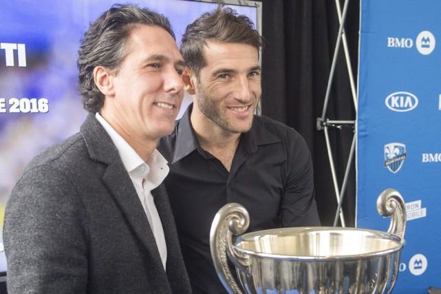 L'entraîneur-chef de l'Impact, Mauro Biello, a remis le... (Photo Ryan Remiorz, PC)
