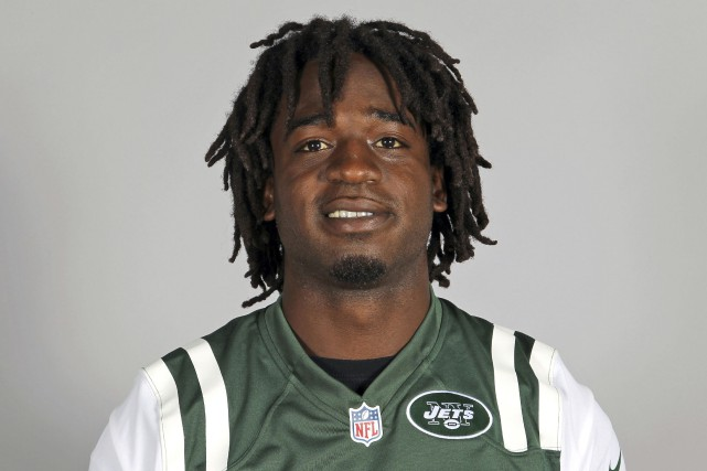 Joe McKnight, avec les Jets de New York,... (Photo archives AP)