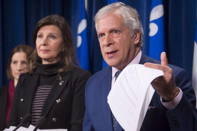 La députée péquiste Diane Lamarre et son collègue... (Photothèque Le Soleil)