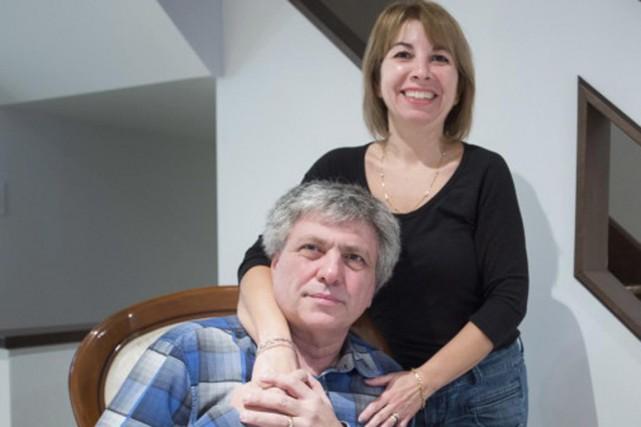 Frank Poccia et sa conjointe Paola Fusco... (PHOTO Ryan Remiorz, PC)