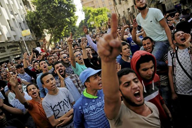L'Égypte s'est dotée en 2013 d'une loi controversée... (PHOTO Amr Abdallah Dalsh, ARCHIVES REUTERS)