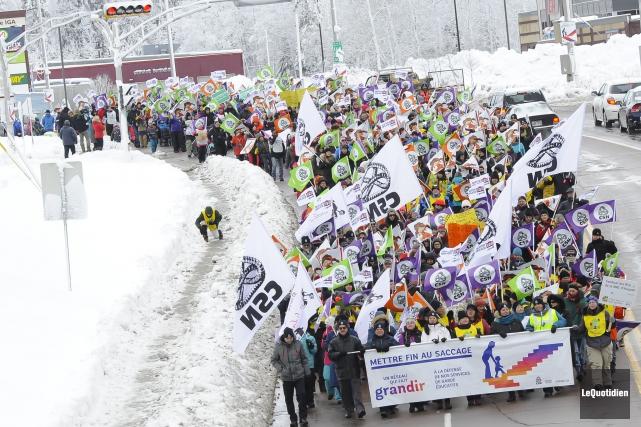 En plus de celle de Montréal, une manifestation... (Le Quotidien, Gimmy Desbiens)