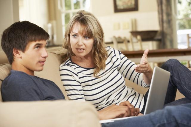 Un adolescent n'est pas toujours des plus réceptifs... (123RF)