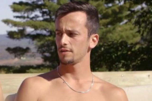 C'est un participant à l'émission de téléréalité Célibataires et nus... (Capture d'écran Musique Plus)