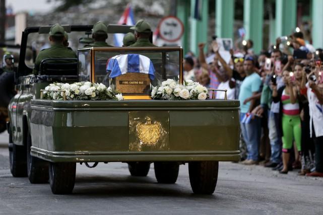 La mort de Fidel Castro a plongé le... (AP)