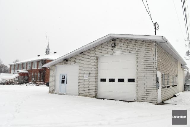 L'ancienne caserne de pompiers de Laterrière a été... (Photo Le Quotidien, Rocket Lavoie)