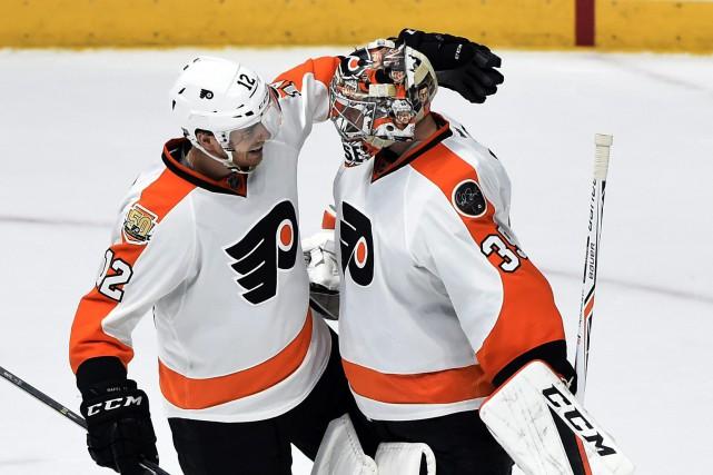 Wayne Simmonds a inscrit deux buts en avantage numérique et les Flyers de... (Photo AP)