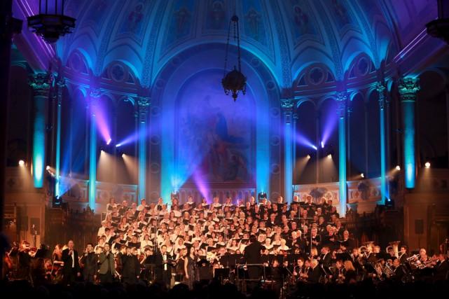 Il régnait une ambiance spéciale à l'église Notre-Dame,... (Catherine Trudeau)
