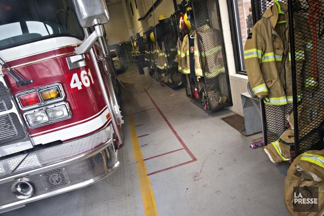 Une trentaine de pompiers de Saint-Césaire et de... (Patrick Sanfaçon, archives La Presse)