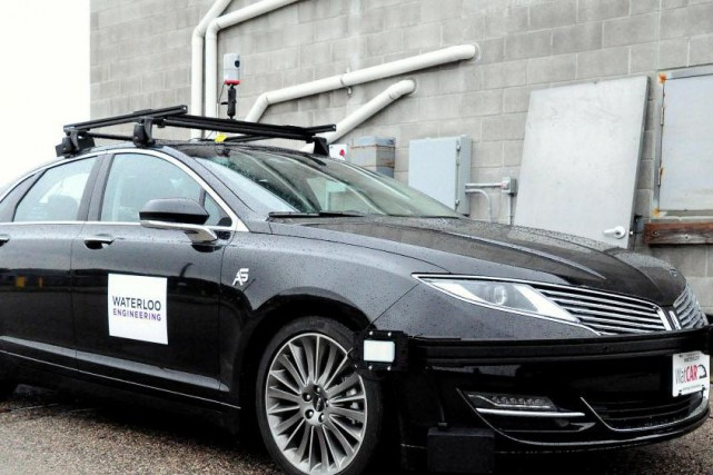 L'Université de Waterloo utilise une Lincoln MKZ modifiée... (Photo fournie par l'Université de Waterloo)