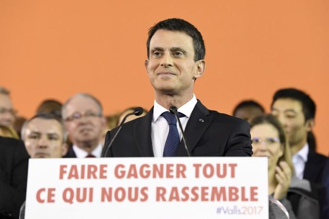 Selon un sondage publié dimanche, le premier ministre... (AFP, Bertrand GUAY)