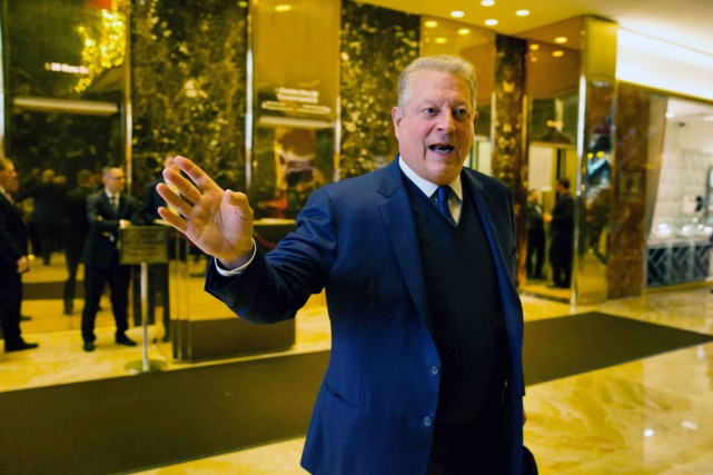 Former US Vice President Al Gore leaves after... (photo DOMINICK REUTER, Agence France-Presse)