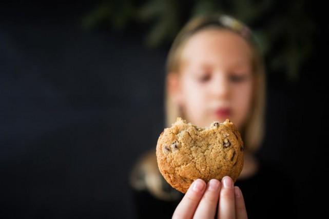 Le biscuit moelleux aux brisures de chocolat et... (PHOTO EDOUARD PLANTE-FRÉCHETTE, LA PRESSE)
