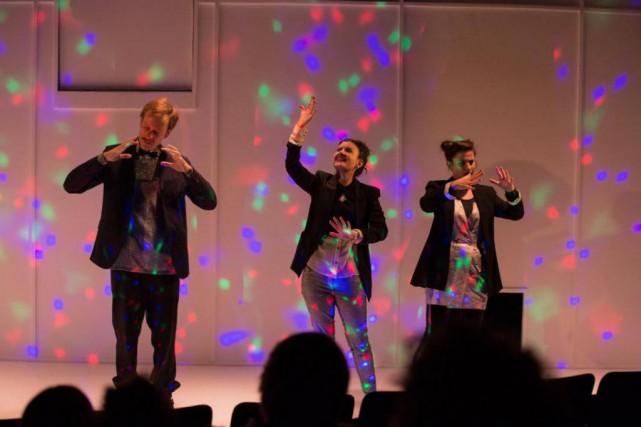 LeSpectacle est unovni théâtral conduit partrois solides interprètes,Simon... (PhotoHugo B. Lefort, fournie par le Théâtre de la licorne)