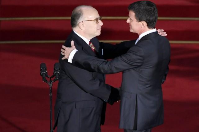 Ce moment solennel sur le perron de l'Élysée... (photo Lionel BONAVENTURE, Agence France-Presse)