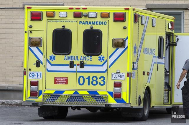 Alors qu'une grève des ambulanciers syndiqués à la CSN est prévue pour la... (Photo Robert Skinner, archives La Presse)
