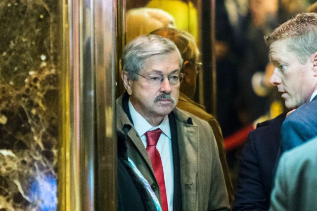 Le gouverneur de l'Iowa Terry Branstad arrive à... (PHOTO AFP)