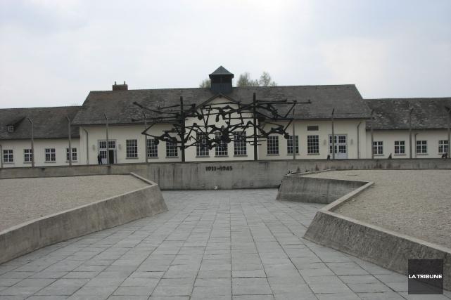 Le mémorial du camp de Dachau est dédié... (La Tribune, Jonathan Custeau)