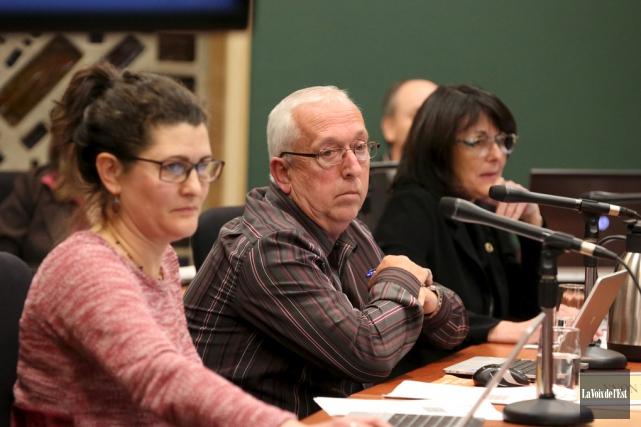 Les élus cowansvillois ont officialisé l'aide financière aux... (archives La Voix de l'Est)