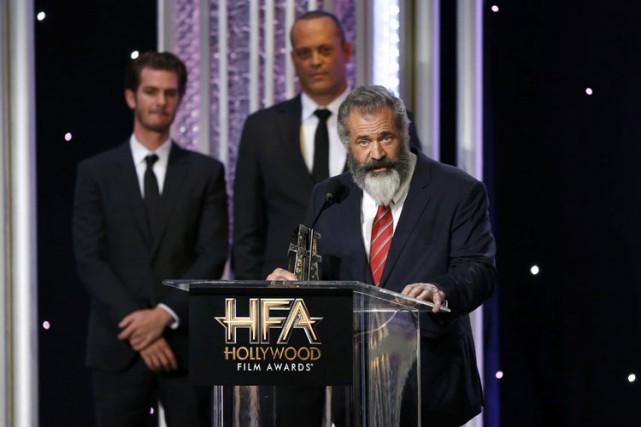 Mel Gibson acceptant un prix lors des Hollywood... (PHOTO REUTERS)