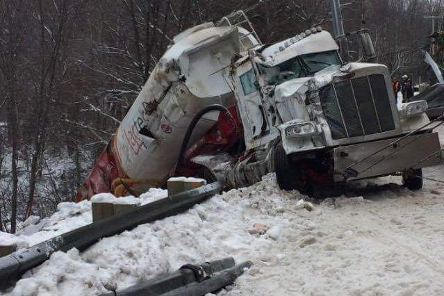 Un camion qui transportait du grain a fait... (Courtoisie)