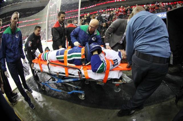 Philip Larsen, des Canucks de Vancouver, a quitté... (PhotoEd Mulholland, USA TODAY Sports)