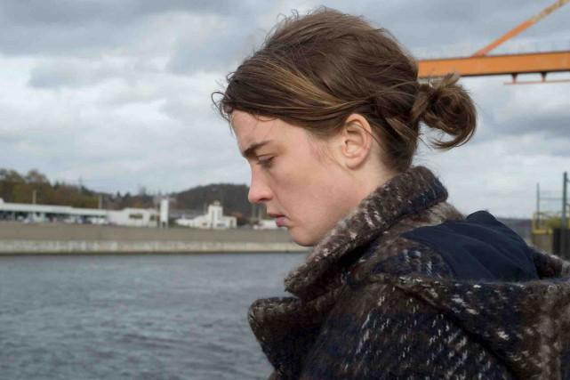 Adèle Haenel interprète une médecin peu orthodoxe et... (Fournie par AZ Films)