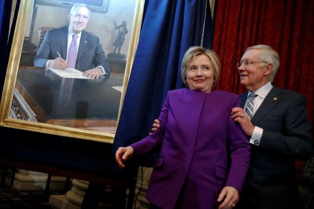 Hillary Clintons'est rendue au Congrès pour une cérémonie... (PHOTO REUTERS)
