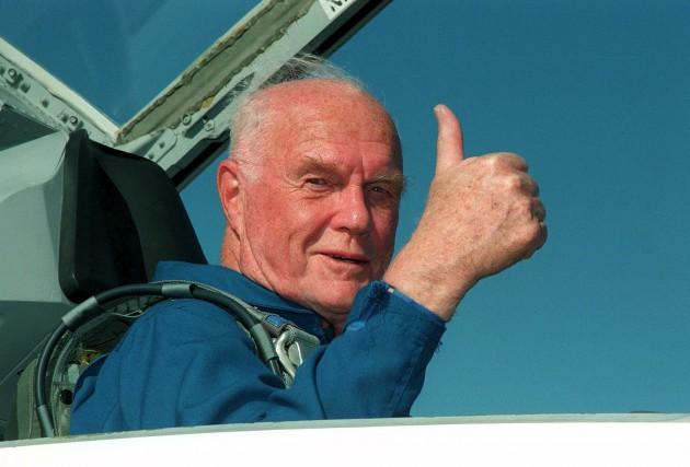 John Glenn arrivant au Centre spatial Kennedy pour... (AFP)
