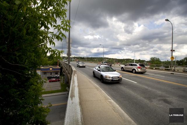Les travaux majeurs prévus sur le pont à... (Archives, La Tribune)