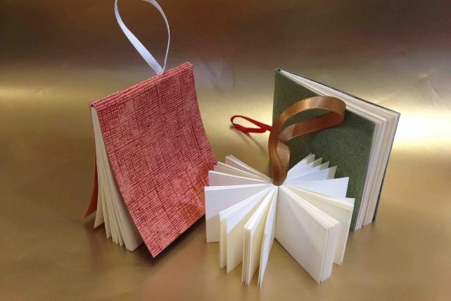 Diane Blais a conçu des livres miniatures.... (Fournie par La boutique Le Parchemin du Roy)
