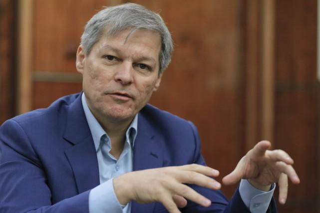 La Roumanie est administrée par un gouvernement de... (PHOTO ARCHIVES AP)
