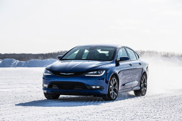 La Chrysler 200 (ci-haut avec option rouage intégral)... (Photo: Fiat-Chrysler)