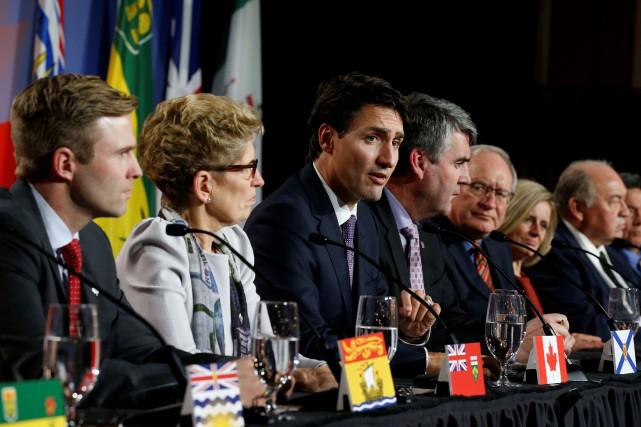 La Saskatchewan et le Manitoba ont refusé d'apposer... (PHOTO CHRIS WATTIE, REUTERS)