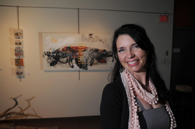 Une toile del'artiste trifluvienne Patricia Kramer sera remise... (Sylvain Mayer)