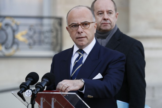 Le premier ministre françaisBernard Cazeneuve... (PHOTO Thomas SAMSON, AFP)