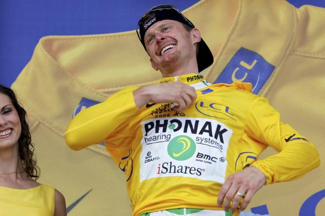 Champion déchu du Tour de France 2006 pour... (Archives AP, Peter Dejong)