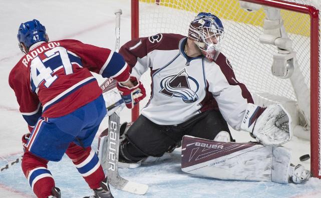 Alexander Radulov marque un but en deuxième période... (La Presse canadienne, Graham Hughes)