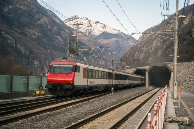 Ce tunnel baptisé GBT (Gotthard Base Tunnel) entre... (Photo Samuel Golay/Keystone, Ti-Press via AP)