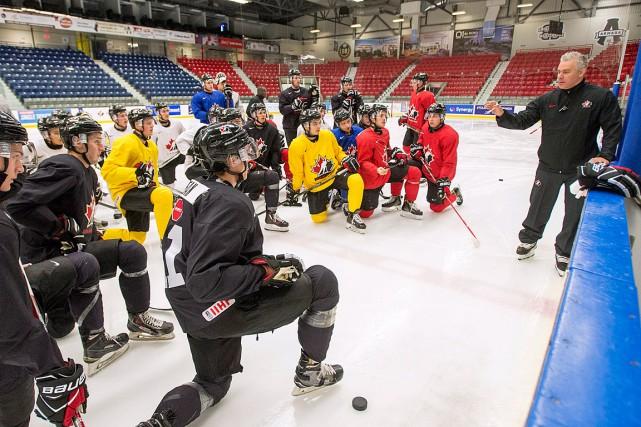 L'équipe de l'entraîneur-chef Dominique Ducharme amorcera le tournoi... (Ryan Remiorz, La Presse canadienne)